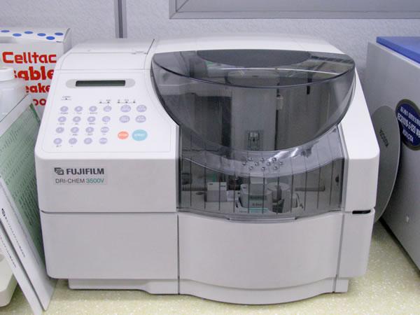 血液生化学検査器